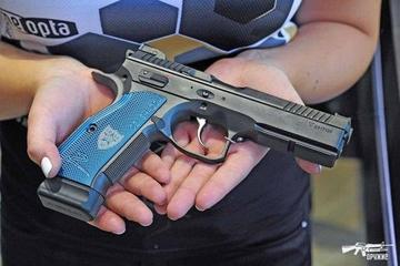 Короткоствольный огнестрел по-чешски